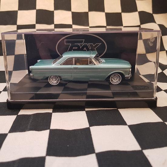 Trax 1:43 Ford Falcon Xp Futura Hardtop Green Velvet Metallic