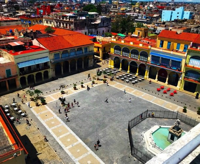 plaza vieja.jpg