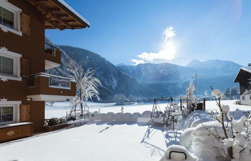 20210116_winter exterior_0024.jpg