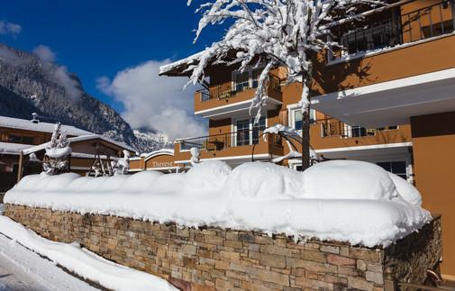20210116_winter exterior_0011-Edit.jpg