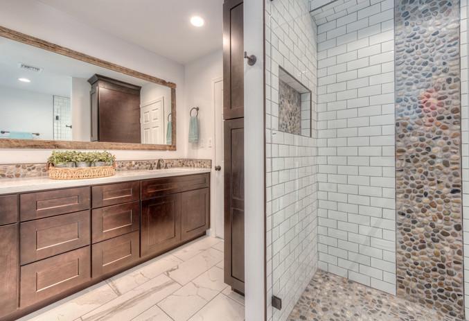 023_Shared+Bath+Shower.jpeg