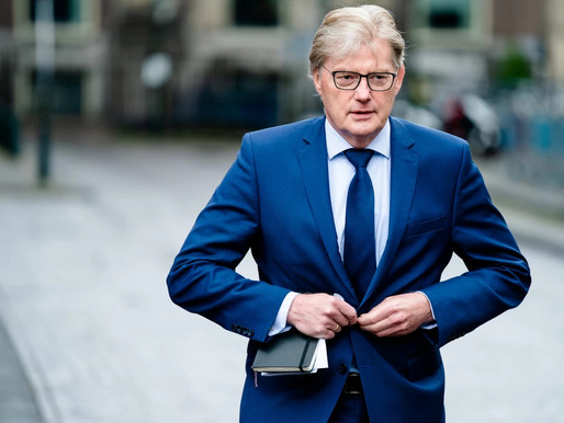 Van Rijn: hogere zorgpremie door corona 'maximaal dempen' | Het Parool