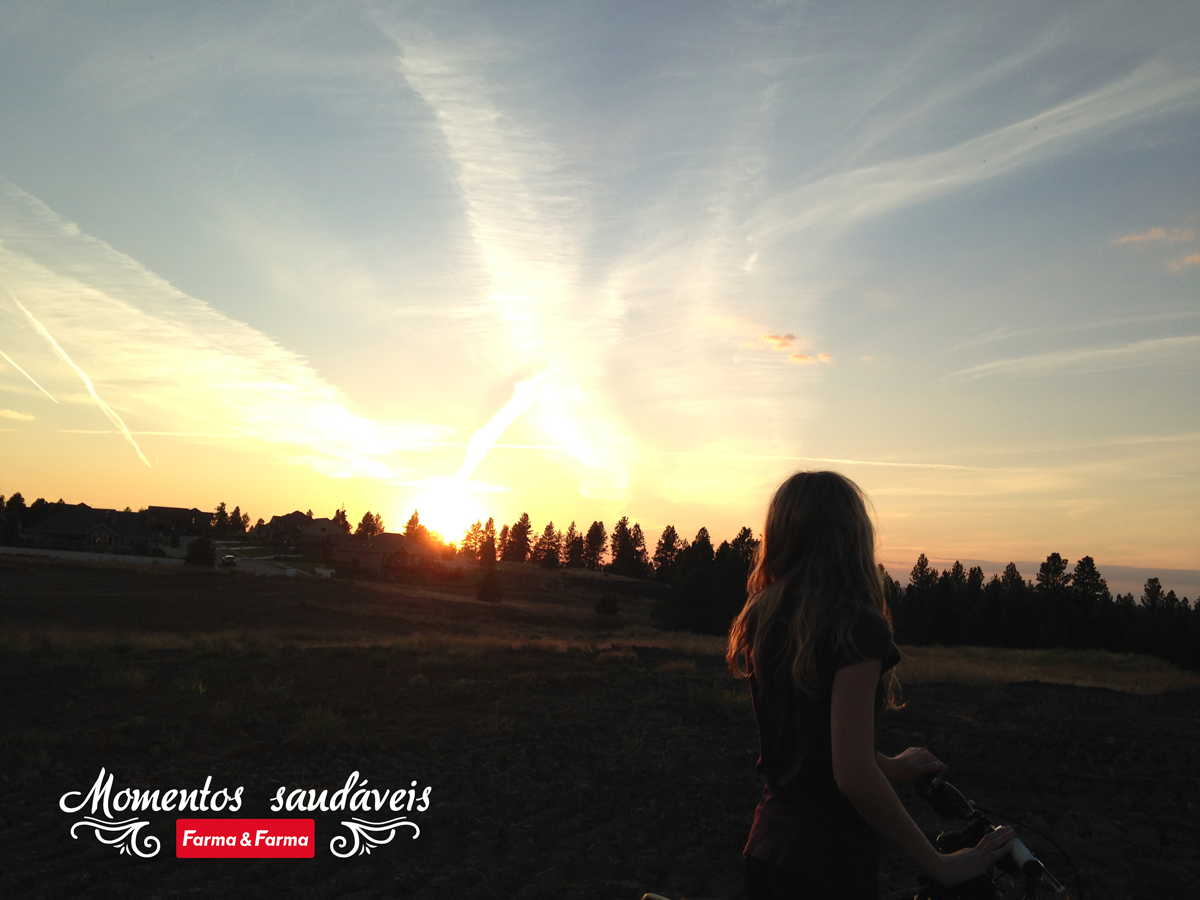 sunset-chasing-light-goldenhour-emily-munn