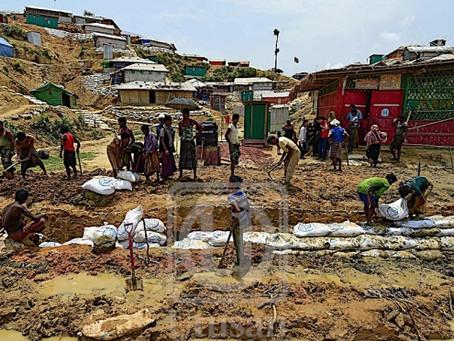Rohingya Diancam Musim Monsun