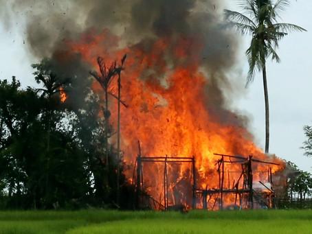 Kampung di Rakhine Terbakar Menjelang Kepulangan Rohingya