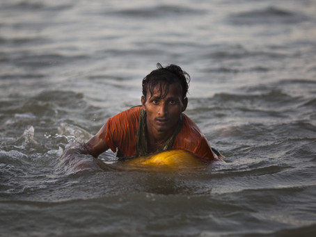 Rohingya Use Empty Gas Cans To Escape From Myanmar Army