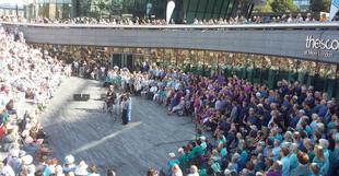 Harleston Singers in London