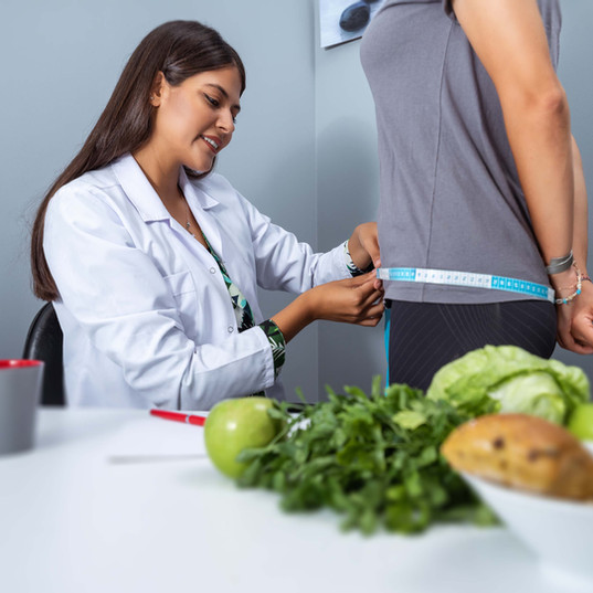 What does a dietitian do?