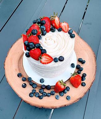 vanilla berry cake 3.jpg