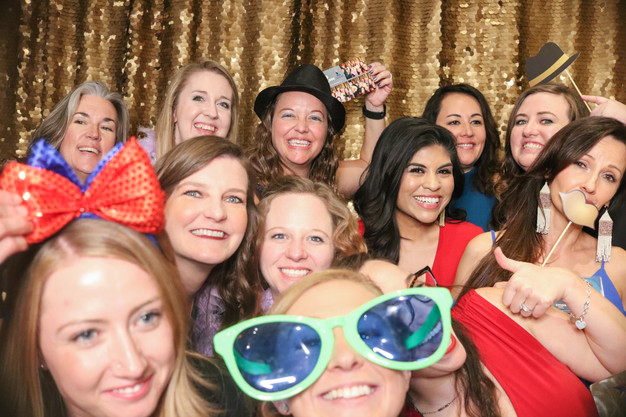 4 Reasons For A Photo Booth for Your Wedding