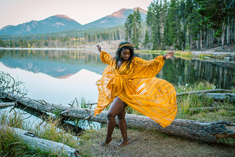 Maternity Photos at Sprague Lake in Rocky Mountain National Park