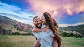 The Best Wedding Poses and Engagement Poses