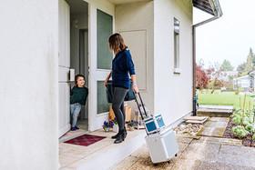 Mobiler Coiffeur, mobiler Friseur, mobiler Coiffeur Solothurn, Styling zu Hause, Coiffeur zu Hause, Coiffeur, Coiffeuse, at home, zu Hause, Solothurn, Sabrina Burri, Visagistin