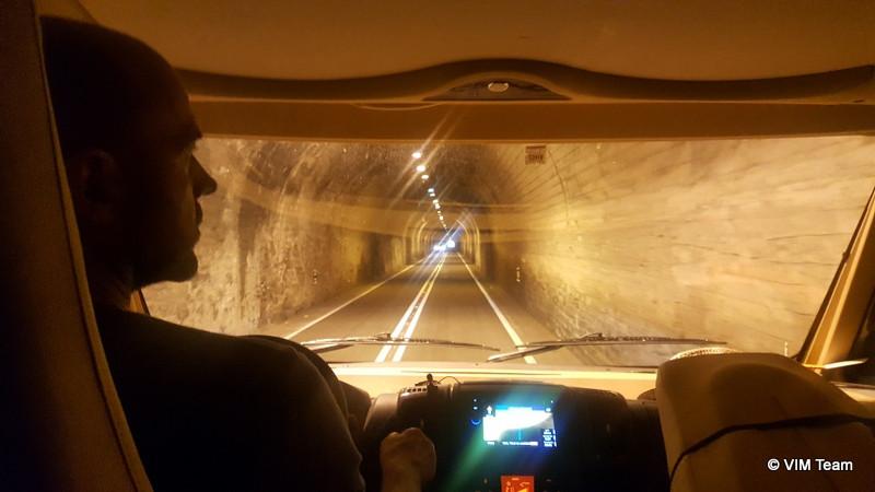 Cestou z Brota projíždíme nejedním tunelem