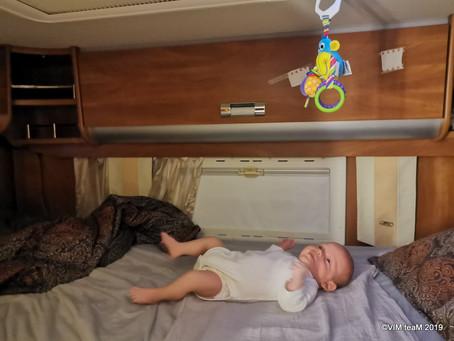 S miminkem poprvé v bydlíku