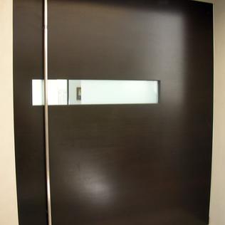 Y5720-Flori-070522-entry door.tif