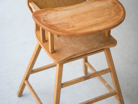 VINTAGE HIGH-CHAIR RESTORATION PHOTO PROP