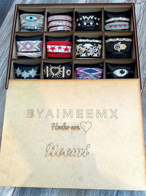 Caja personalizada con 12 sets ❤️