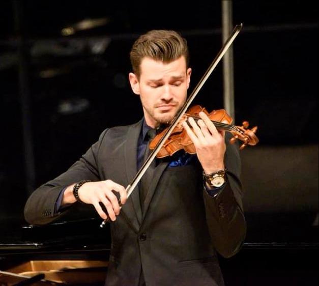 Filip Pogady, violin