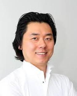 Moses Yungbae, Tenor