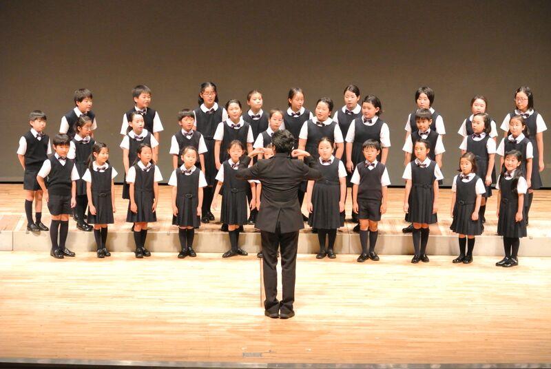 Elementary choir 2.jpg