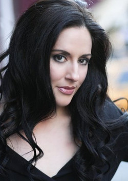 Christina Lamberti, Soprano
