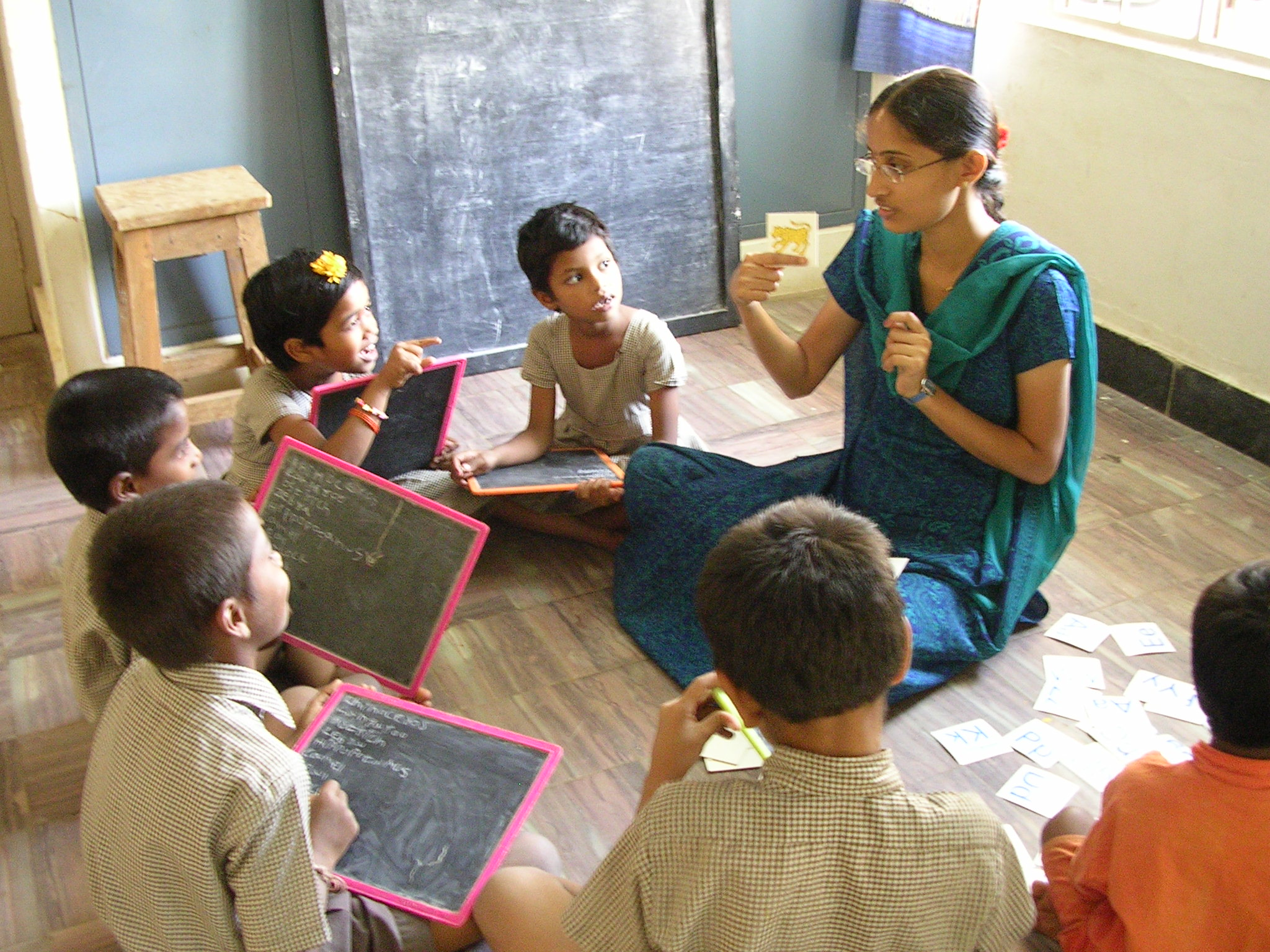 Aarti School - Younger children lesson