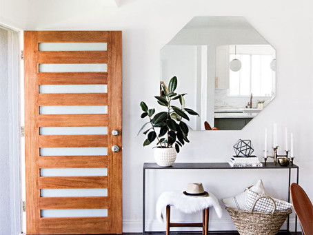 5 THINGS TO ORGANIZE IN YOUR ENTRYWAY