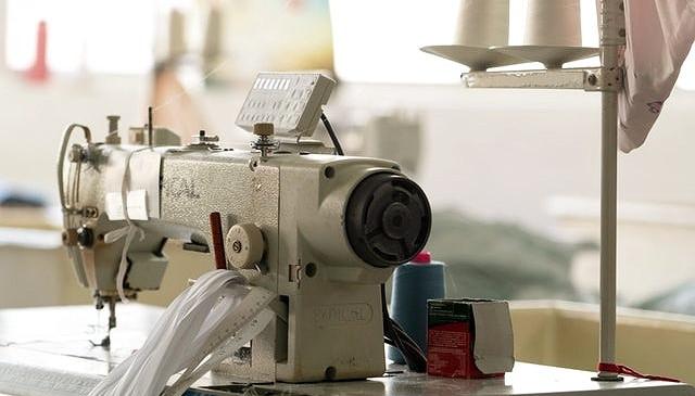 縫紉%2520machine_edited_edited.jpg