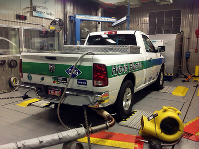 Compressed natural gas hybrid truck using advanced lead-carbon battery