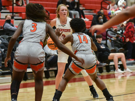 Marty Smith, Girls Basketball Team Close in on Top 10 Ranking, Area Play