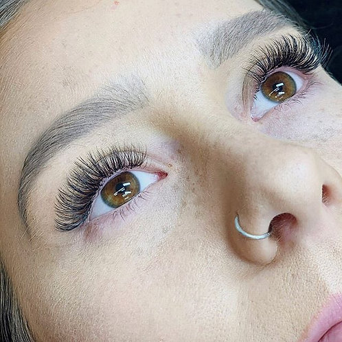 Volume Set of Lash Extensions