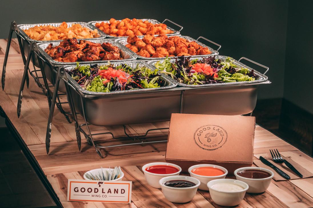 buffalo-wings-restaurant-catering-spread