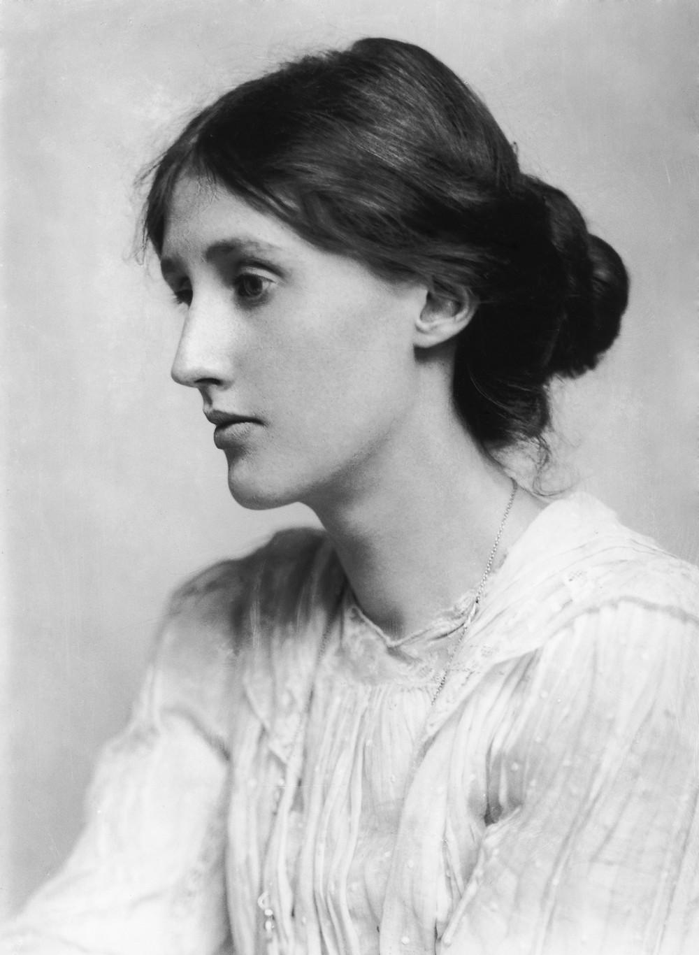 Foto em preto e branco Virgina Woolf