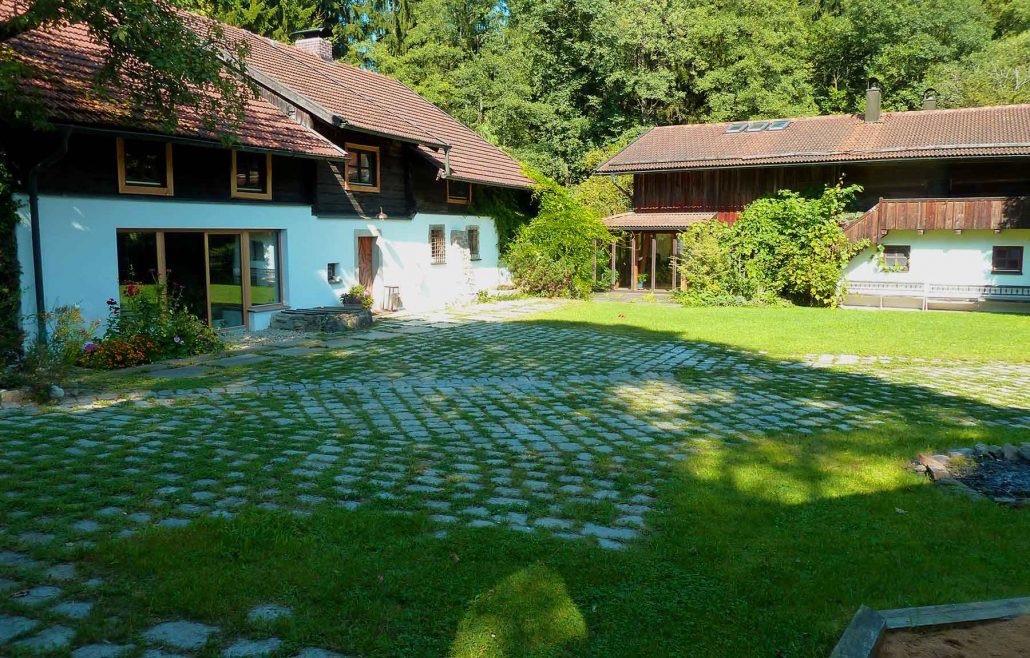 Innenhof-Ausschnitt3-web-1030x658