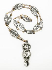 Voodoo Portrait Chain