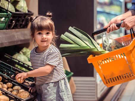 12 idées pour occuper ses enfants durant les courses