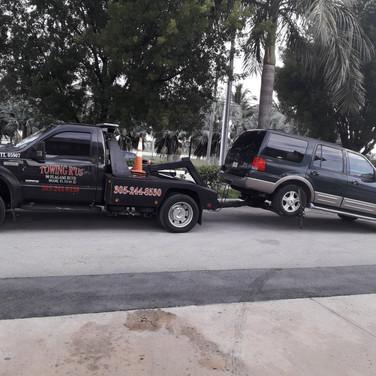 Servicio de gruas - Towing service - Gruas Miami - Towing R'Us