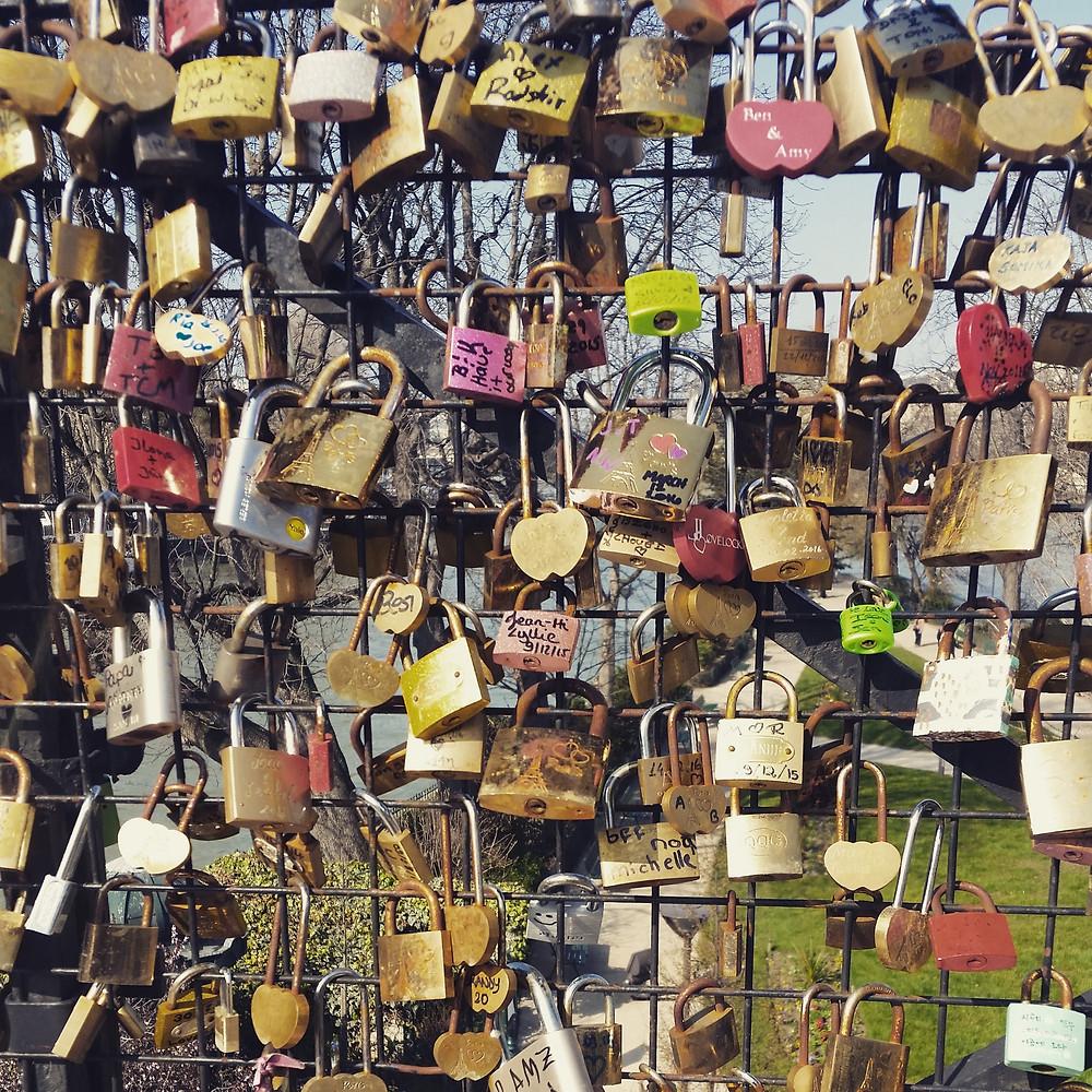pont neuf padlocks
