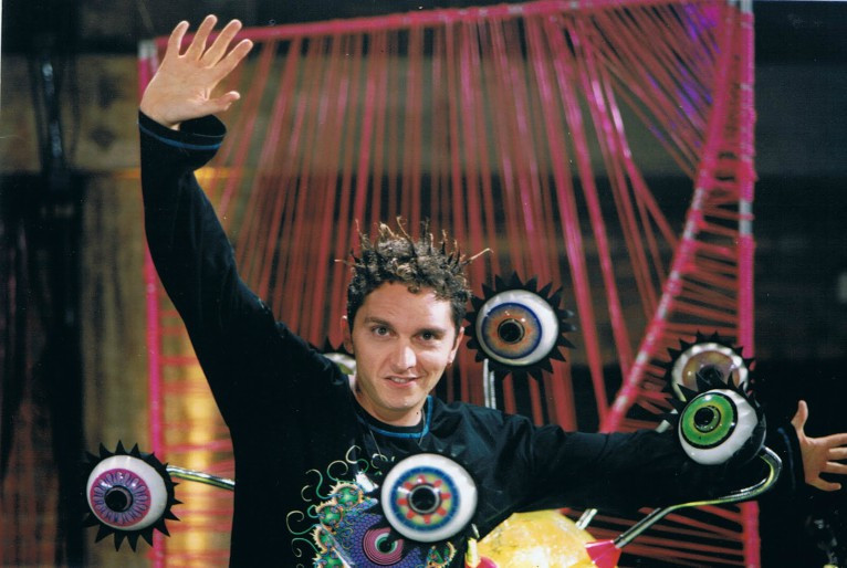 O ex-MTV Gastão Moreira no comando do programa Musikaos!