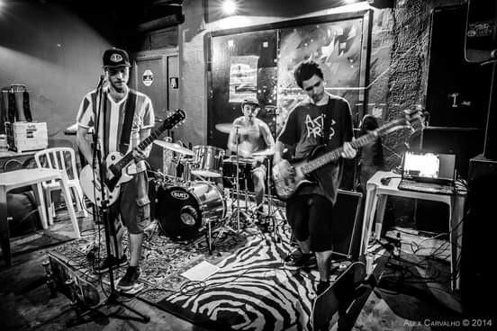 Saiu Dope Dopin, novo trabalho da banda carioca de Skate Punk Acid Drop!