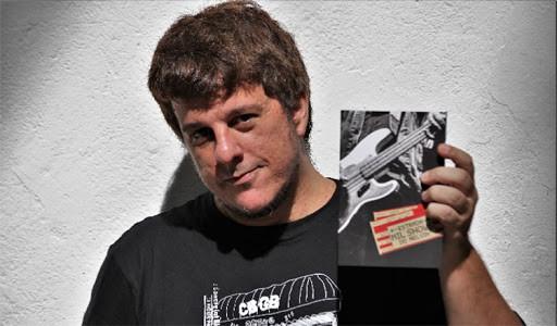 Melvin Ribeiro lançou, ano passado, o livro Estrada – Mil Shows do Melvin!