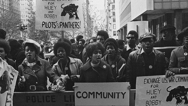 O Movimento Panteras Negras é tema de debate logo mais.