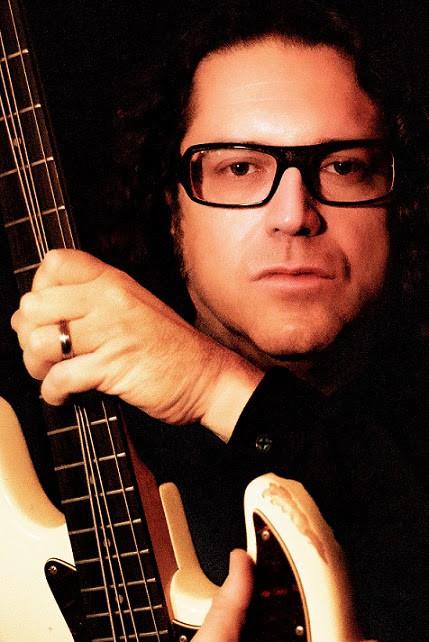 Chegou sexta-feira às plataformas de streaming o novo single do baixista Fernando Nunes!