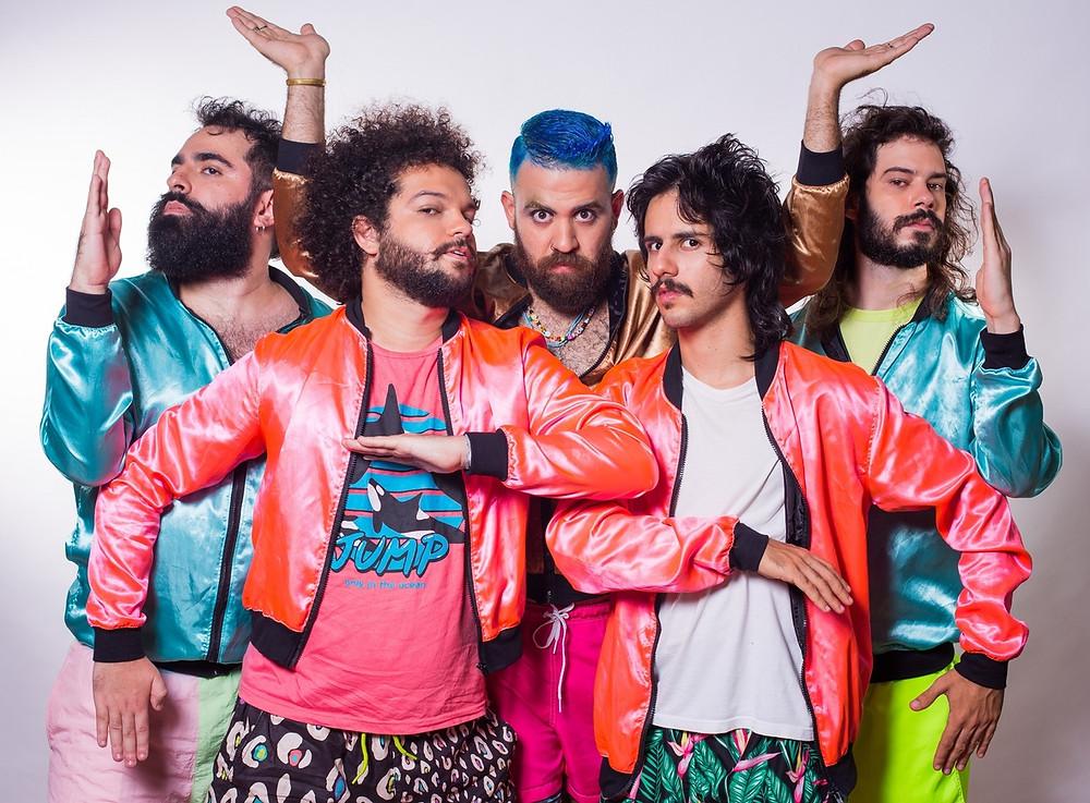 A banda Bule disponibilizou som novo nas plataformas de streaming!