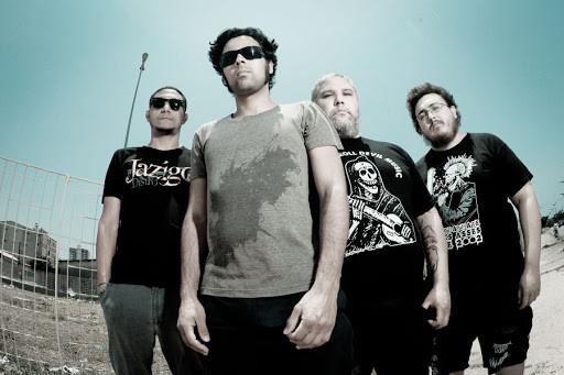 A banda Facada é uma das participantes do CD Grindhouse!