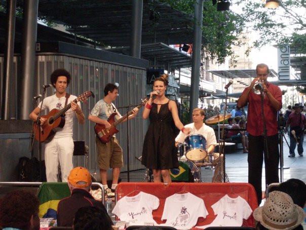 Saulo Andrade com a Banda Yemanjá, na Austrália.