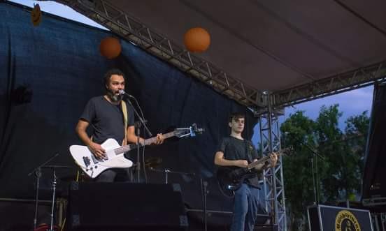 A banda Malabaristas de Semáforo lança música nova nesta sexta!