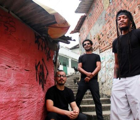 Notícias | Devotos no Cangaço Rock Fest. logo mais!