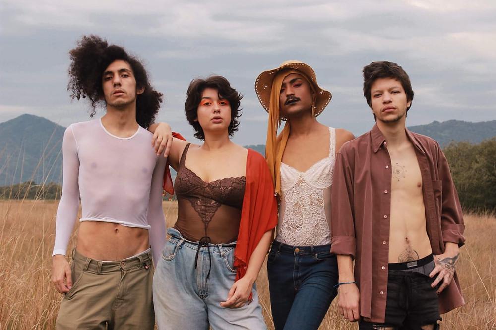 A banda carioca Naviloca disponibilizou vídeo novo em seu canal no Youtube!